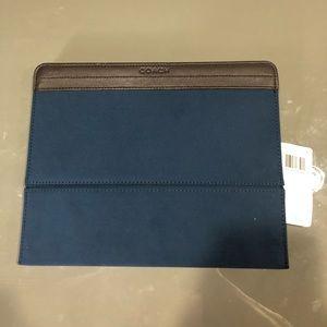 """NWT Coach """"Varik"""" iPad Case"""